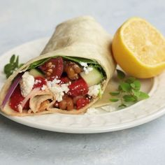 Videos Greek Chickpea Wraps - This easy vegetarian sandwich is filled with roasted chickpeas, crunchy veggies, and tangy feta cheese! Vegetarian Sandwich Recipes, Vegetarian Wraps, Vegan Recipes, Cooking Recipes, Going Vegetarian, Vegetarian Breakfast, Vegetarian Dinners, Vegetarian Greek Recipes, Healthy Wraps