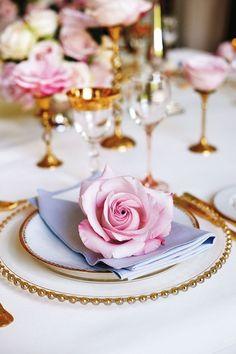 Fresh Rose Gold Luxury Table Setting (BridesMagazine.co.uk)