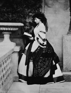 April 2018 marked the anniversary of the birth of Princess Alice, Grand Duchess of Hesse, the second daughter of Queen Victoria… Queen Victoria Prince Albert, Victoria And Albert, Princess Victoria, Princess Alice, Prince And Princess, Princess Louise, Victoria's Children, Queen Sophia, Royal Collection Trust