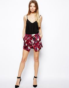 Buy ASOS Skort In Bold Floral Print at ASOS. With free delivery and return options (Ts&Cs apply), online shopping has never been so easy. Get the latest trends with ASOS now. Spring Summer Trends, Spring Summer Fashion, Spring Outfits, Spring Clothes, Summer 2014, Skort, Dresses For Less, Summer Dresses, Summer Looks
