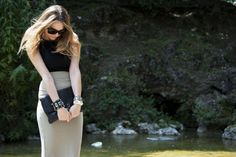 Sheath Skirt:  Yes or Not?http://www.uglytruthofv.com/2013/06/21/sheath-skirt-yes-or-not/