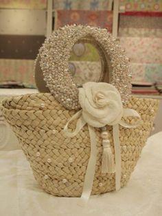 – Purses And Handbags Diy Straw Handbags, Purses And Handbags, Diy Pouch No Zipper, Tree Bag, Diy Clutch, Bag Display, Flower Bag, Diy Handbag, Stylish Handbags