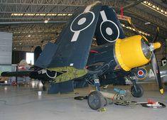 """Chance Vought F4U-4 """"Corsair"""":  schweres Jagdflugzeug mit Propellerdurchmesser von 4 Meter !!"""