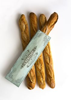 L'Héritage - Brand identity and packaging for a traditional French baguette.