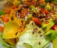 Sałatka awokado z siemieniem lnianym #avocado #salad #flaxseed #biodika #vegan #diet