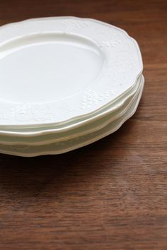 Vintage Milk Glass Plates / Colony Harvest Plate Set / 4 by 86home