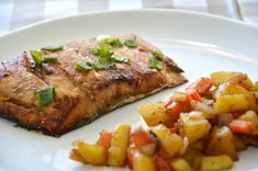 מתכון לדג סלמון במחבת ברוטב טריאקי עם ירקות   מצרכים:  דג:  3נתחי פילה דג סלמון  1 כף ש