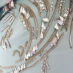 Crystals, sequins and pearls in the shades of the breaking spring