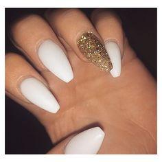Trendy Nails, Cute Nails, Matted Nails, Nails & Co, 3d Nails, White Coffin Nails, Gold Glitter Nails, Glitter Glue, White Gold Nails
