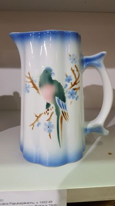 Lassi, Auction Items, Old Toys, Finland, Cupboard, Old Things, Pottery, Ceramics, Mugs