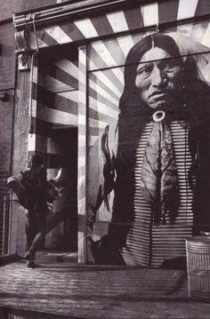Graffiti & Street Art fonts via Urban Street Art, 3d Street Art, Street Artists, Urban Art, Murals Street Art, Street Art Graffiti, Graffiti Artwork, Art Mural, Amazing Street Art