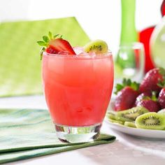 🍓🍹Sparkling Strawberry Kiwi Sangria🍓 #Food #Drink #Musely #Tip