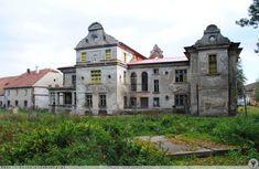 Pałac w Goczałkowie Górnym pochodzi z XVII wieku. Wybudował go baron von Schliewitz. Obecny wygląd to efekt kolejnych przebudów w XIX wieku. Po wojnie pałacem zarządzał PGR. W listopadzie 2007r. w pałacu wybuchł pożar.  W majątku gospodaruje Instytut Nawozów Sztucznych Puławy – Gospodarstwo Doświadczalne Goczałków. Coś tam chyba po pożarze zostało wyremontowane. Wygląda na to, że dach jest. Jednak obiekt nie wygląda na użytkowany.