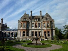 10 Haunted Hotels to stay in...
