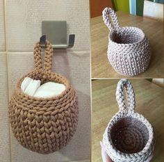 Catch Cute & Simple Designs of Crochet for Beginners - Diy Crafty Diy Crochet Basket, Crochet Basket Pattern, Easy Crochet Patterns, Crochet Designs, Crochet Round, Knit Crochet, Crochet Storage, Lace Decor, Crochet Home Decor
