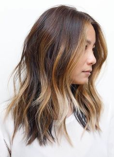 Pinterest: DEBORAHPRAHA ♥️ Beautiful hair with messy waves, texture and highlights