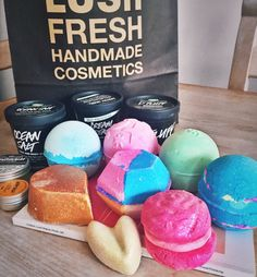 """pipocahontas: """"It's a miracle I didn't leave with everything """" Lush Oxford Street, Iced Mocha, Handmade Cosmetics, Baking Ingredients, Cookie Dough, Favorite Things, Food, Essen, Meals"""