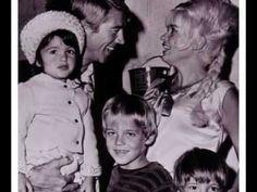 Mickey Hargitay, Jayne Mansfield, Mariski Hargitay and her 2 brothers