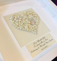 ein sch nes selbstgemachtes geschenk zum 30 hochzeitstag pearl feiern in einem white box. Black Bedroom Furniture Sets. Home Design Ideas