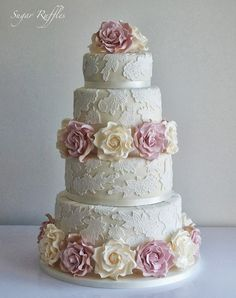 1000+ images about Gorgeous cakes and cupcakes on Pinterest | Mini ...