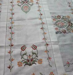 Elsa, Quilts, Blanket, Instagram, Cross Stitch Fruit, Linen Tablecloth, Towels, Dots, Crosses