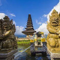 Ulun Danu Temple Sculpture #bali #balisculpture #ulundanutemple #balitemplesarchitecture #architecture #art