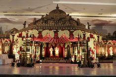 Photo By Yellow Umbrella Entertainments - Decor Indian Wedding Deco, Desi Wedding Decor, Wedding Mandap, South Indian Weddings, Wedding Ideas, Wedding Receptions, Wedding Backdrop Design, Wedding Stage Design, Wedding Designs