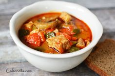 zupa gulaszowa po węgiersku na ostro, gulasz po węgiersku przepis, dania na obiad, dania jednogarnkowe z papryką, dania z papryką, Thai Red Curry, Ethnic Recipes, Food, Meals, Yemek, Eten