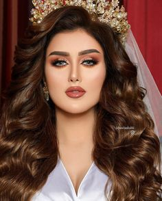 Hairstyles For Gowns, Chic Hairstyles, Bride Hairstyles, Makeup Eye Looks, Bridal Makeup Looks, Bride Makeup, Glamour Makeup, Beauty Makeup, Hair Beauty