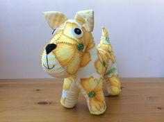 Выкройку этой собаки можно найти на сайте: www.crafts-beautiful.com