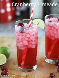 Sonic's Cranberry Lemonade - If you are looking for a refreshing (non-alcoholic) beverage during the winter, try this copycat Sonic cranberry limeade recipe. Cranberry Lemonade, Sonic Limeade Recipe, Fresco, Delicious Desserts, Dessert Recipes, Drink Recipes, Yummy Food, Tasty, Aguas Frescas