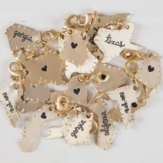 home is where the <3 is! These givable State Charms make it easy to create a customized gift for your mom, sister, BFF or any of your faves!