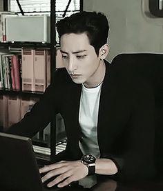 Lee Soo Hyuk in the kdrama High School King of Savvy