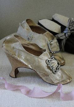 wedding shoes ca. 1773