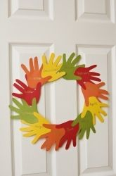 "First Grade Thanksgiving Activities: Make a ""Handy"" Thanksgiving Wreath"
