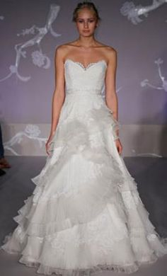 Lazaro 3102: buy this dress for a fraction of the salon price on PreOwnedWeddingDresses.com