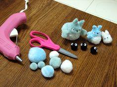 Totoro pom-pom animal tutorial for Totoro themed mobile