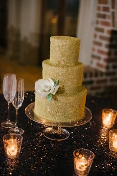 gold glitter wedding cakes 1000 images about glitter wedding theme on 14782