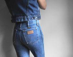 Vintage Wrangler Jeans High Waist Rise by ThriftyMartUSA on Etsy #highwaistedjeans #thriftymartusa #vintagewrangler