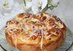 Tort de brioșă cu cremă de patiserie 0 Easy Baking Recipes, Healthy Baking, Cooking Recipes, Baking Muffins, Bread Baking, Russian Recipes, Recipe For Mom, Greek Recipes, Food Photo