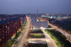 Built by MAB Arquitectura,BMS Progetti Srl in Milan, Italy with date 2009. Images by Paolo Riolzi. Previous State   The intervention is located on a long and very narrow plot. The site face the residential neighbourh...