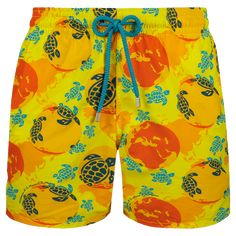 All men's swimwear classic cut from Vilebrequin St Tropez Discover our Moorea iconic classic style. Turtle Swimming, Man Swimming, Color Rinse, Mens Swim Shorts, Freedom Of Movement, Classic Man, Worlds Of Fun, Swimsuits, Swimwear