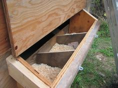 Woodworking Guide, Custom Woodworking, Woodworking Projects Plans, Teds Woodworking, Chicken Roost, Chicken Life, Chicken Houses, Chicken Nesting Boxes, Nest Box
