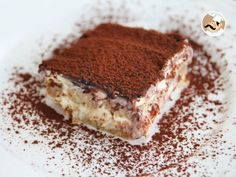 Have a trip to Italy without leaving your kitchen ! Thanks to PetitChef, be the best at baking this classic : Tiramisu ! by PetitChef_Official Bolo Tiramisu, Chocolate Tiramisu, Italian Tiramisu, Classic Cheesecake, Pumpkin Cheesecake, Something Sweet, Food Videos, Love Food, Desert Recipes