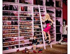 Le dressing à chaussures de Christina Aguilera