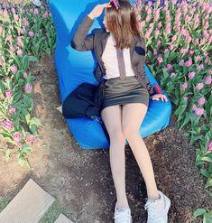 일반인 교복치마 패션 인스타그램 사진모음 Good Girl, My Girl, Girls In Mini Skirts, School Looks, Girl Body, Beautiful Asian Women, Ulzzang Girl, Japanese Girl, Sexy Legs