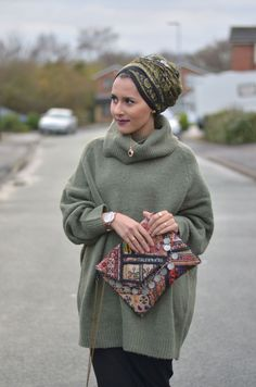 """Why we need more Muslim girls in the public eye""  - Cosmopolitan.co.uk #mipster #muslimah #hijabi #headcovering Muslim Women Fashion, Islamic Fashion, Modest Fashion, Hijab Fashion, Modest Outfits Muslim, Dina Tokio Outfits, Turban Hijab, Turban Style, Hijab Tutorial"