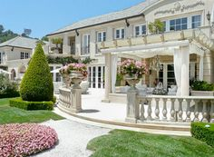 Real Housewives of Beverly Hills' Lisa Vanderpump's Beverly Glen Estate