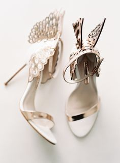 Gorgeous winged-feet Grecian inspired heels: http://www.stylemepretty.com/2016/03/22/its-official-this-bridesmaid-crew-is-what-squadgoals-are-all-about/ | Photography: Allison Kuhn - http://allisonkuhnphotography.com/