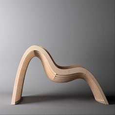 "Chaise vague en ""ossature"" / Unto This Last - wavy chair / #mobilier #chaise http://www.untothislast.co.uk/"